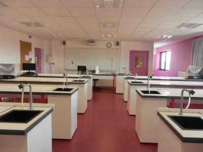 laboratoire physique chimie